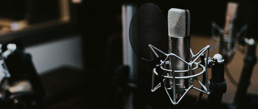 »Von rechts gelesen«: Wir suchen Podcaster!